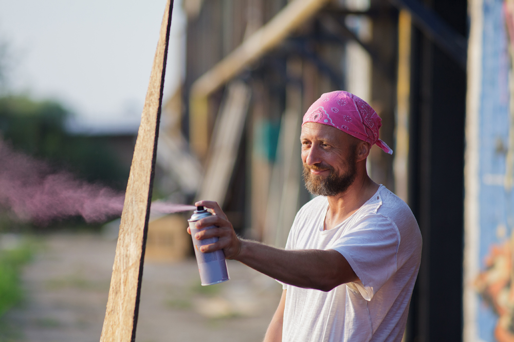 4 Best Spray Paints For Outdoor Wood, What Is The Best Spray Paint To Use On Outdoor Wood Furniture