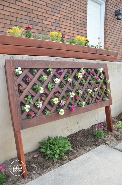Vertical Flower Bed Out of Wood Treillage or Pallet