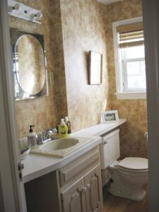 a small bathroom with sink
