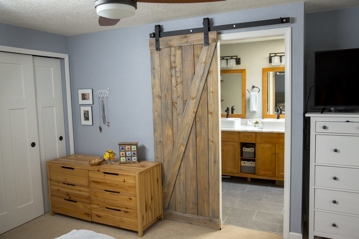 This sliding barn door for you home