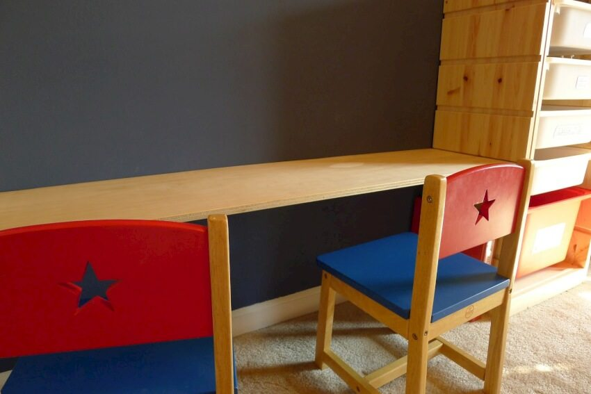 This lego play table brings order to the tiny pieces and has an adjustable height.