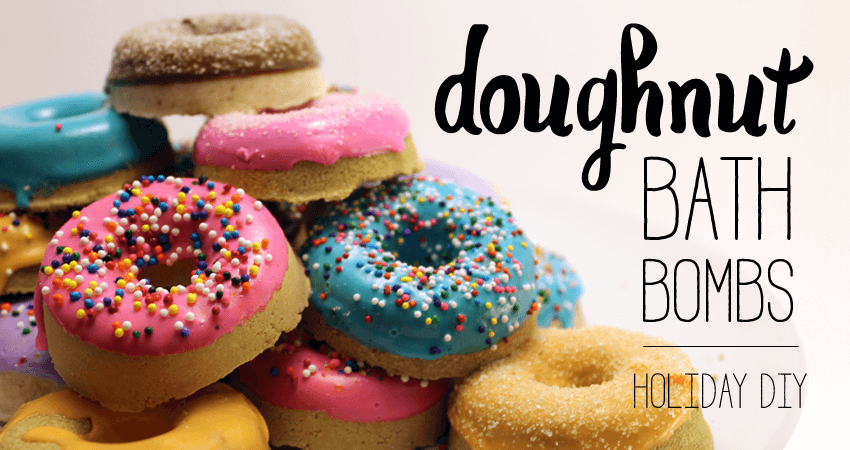 Doughnut bath bombs with colorful sprinkles - these look ridiculously real.