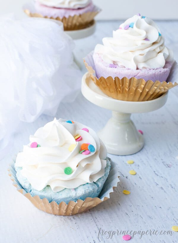 Be careful....these fizzy cupcake bath bombs look so real you'll try to eat them instead!