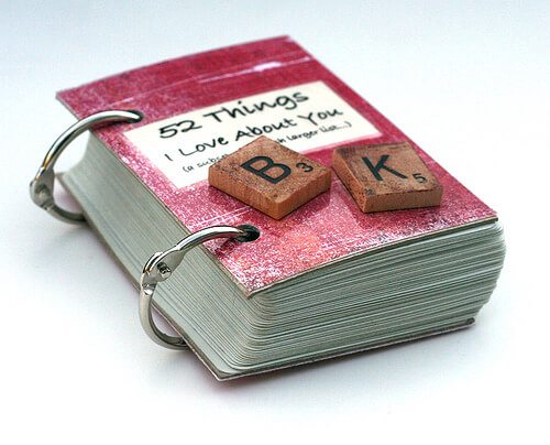 This DIY laminated, two ring book allows you to give your boyfriend 52 reasons to smile.