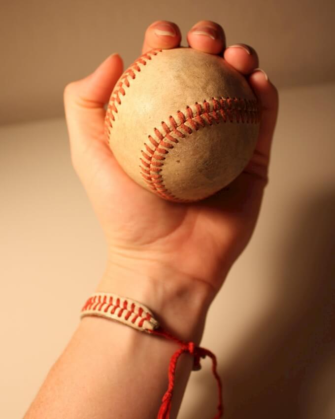 bracelet from baseball lacing