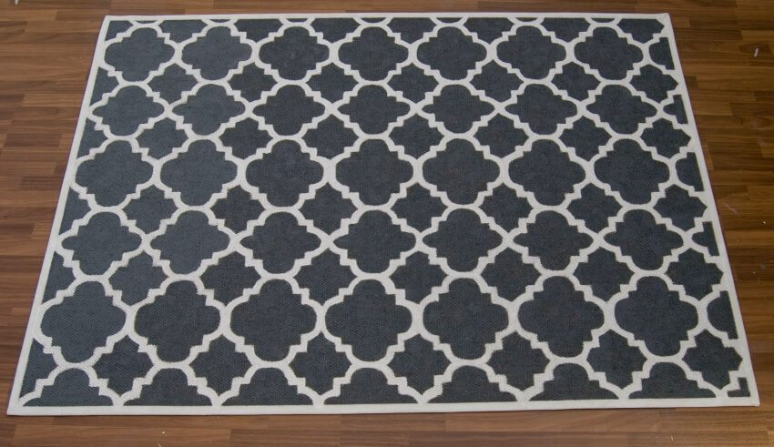 Create your own perfect rug by painting it yourself to match your room decor.