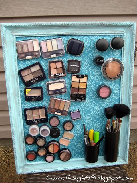 This DIY magnetic board organizes all of your make-up so you can see everything without going through stacks or cluttered drawers.