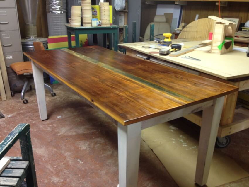 How to build a rustic do it yourself farmhouse table with photos finished do it yourself farmhouse table solutioingenieria Gallery